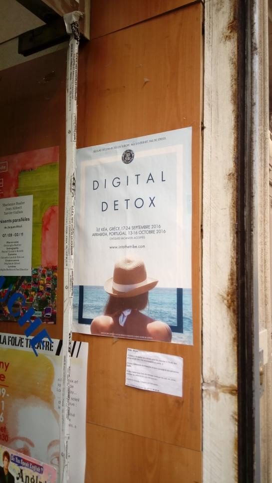 affiche digital détox dans la rue