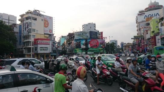 Rédaction web vietnamienne - AUTOVEILLE
